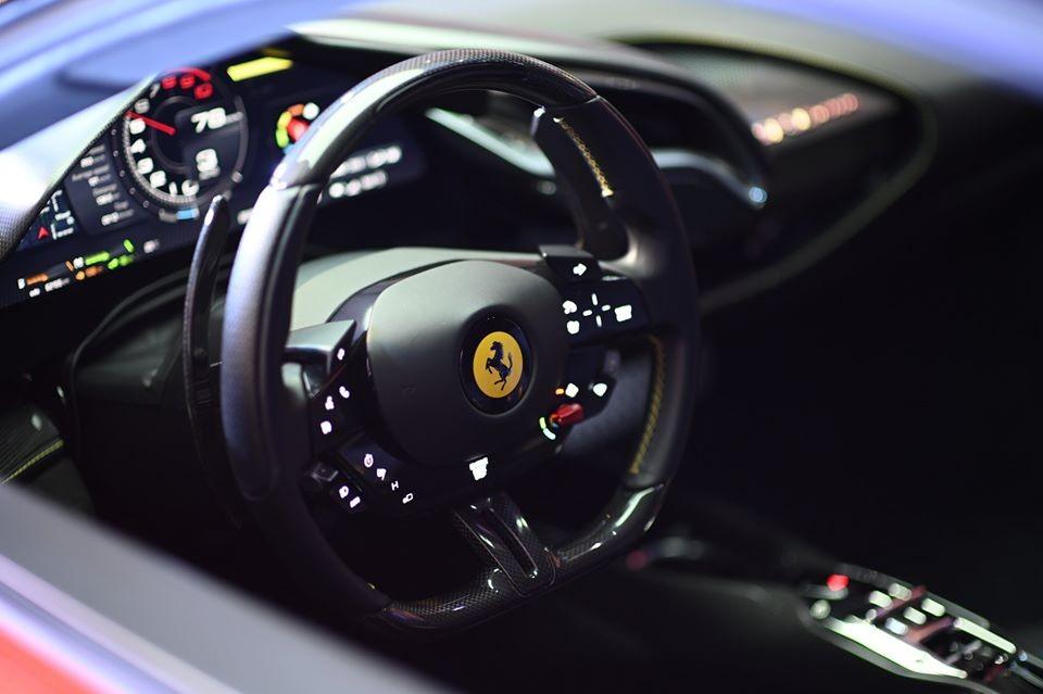 Siêu phẩm Ferrari SF90 Stradale có công suất tổng cộng là 1.000 mã lực