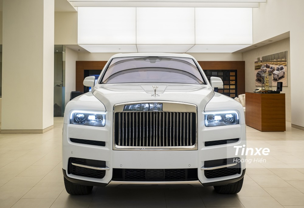 Phải chăng là để đón một chiếc SUV ở tầm đỉnh cao mới đó chính là Rolls-Royce Cullinan