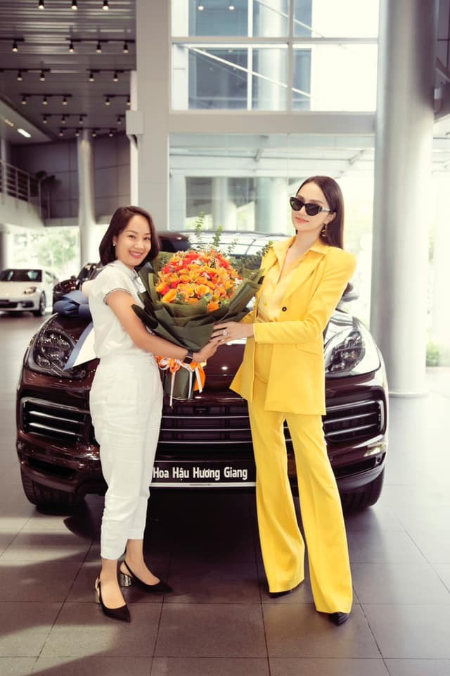 Miss Huong Giang received a new car