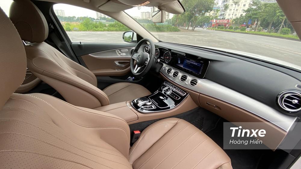 Trang bị an toàn của Mercedes-Benz E180 cũng chỉ ở mức vừa đủ.
