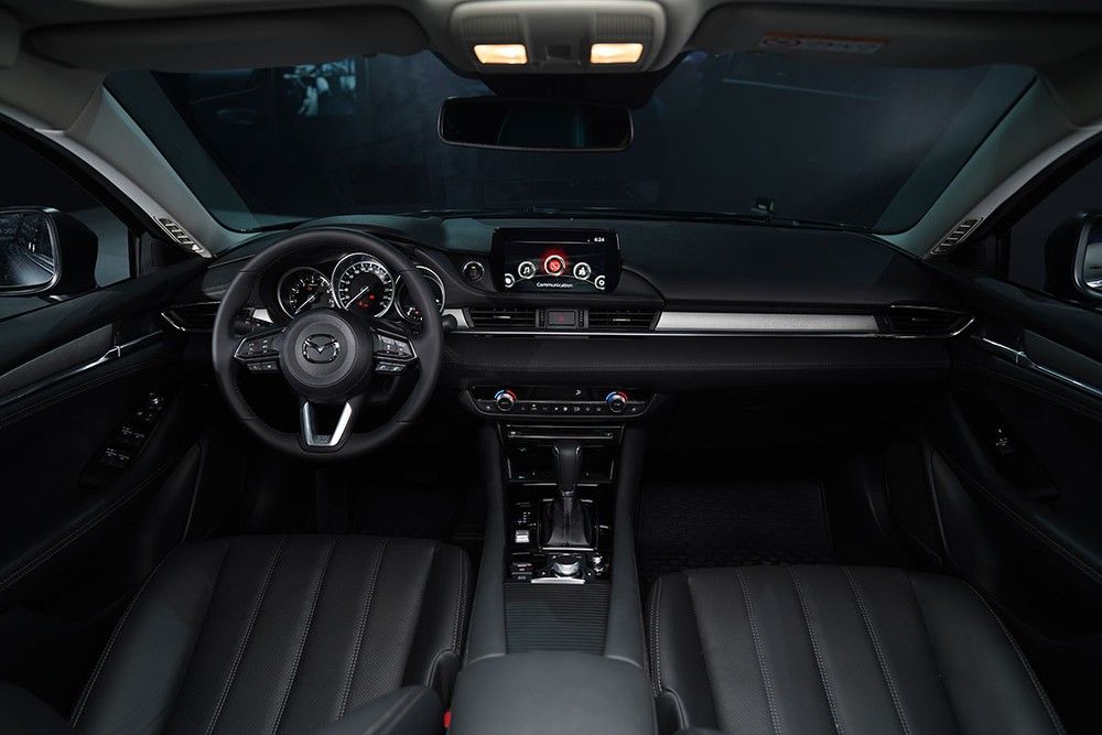 The large wheelbase makes the car's interior compartment extremely spacious