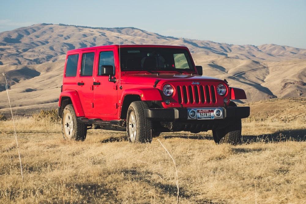 Đỏ là một màu xe phù hợp với người mệnh Thổ