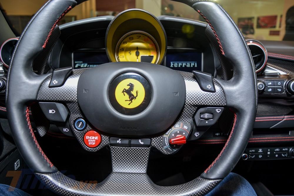 Vô lăng mới của siêu xe Ferrari F8 Tributo