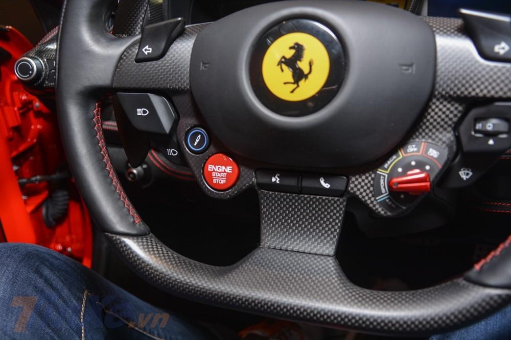 Ferrari F8 Tributo có công nghệ an toàn mới