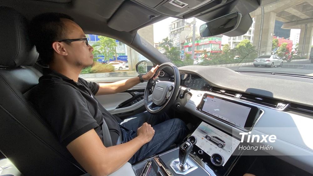 Range Rover Evoque 2020 mang lại cảm giác lái linh hoạt và mạnh mẽ.