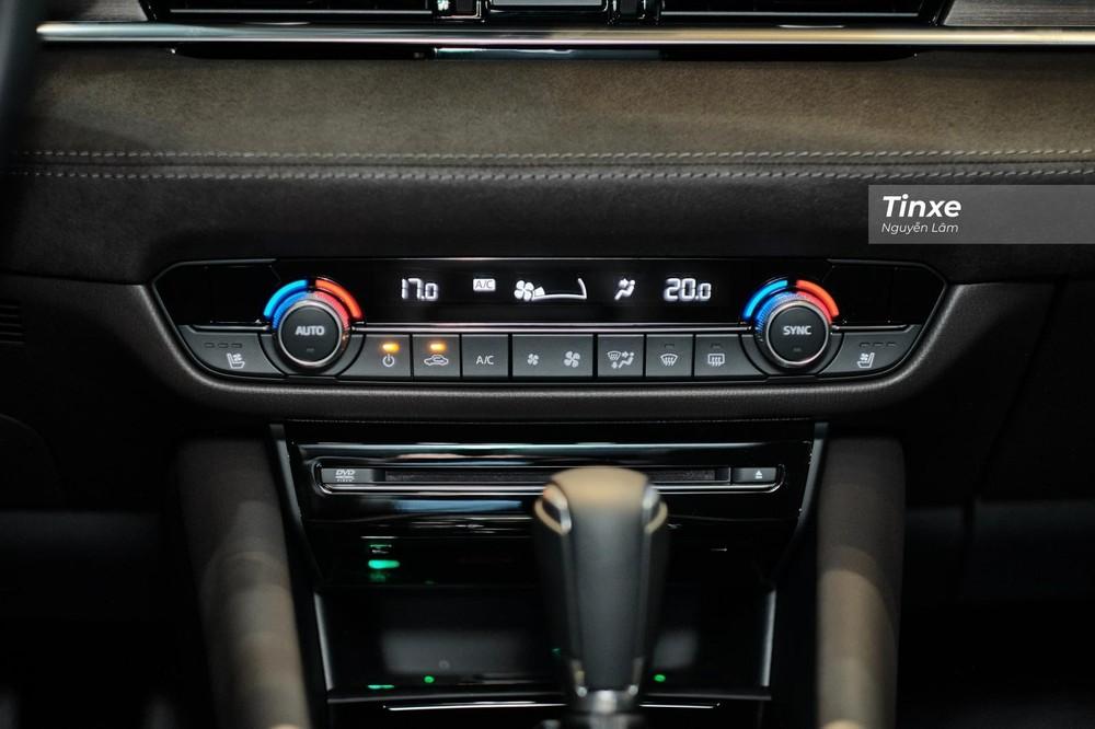 Hàng ghế đầu của Mazda6 2020 bản cao cấp nhất có cả chức năng làm mát