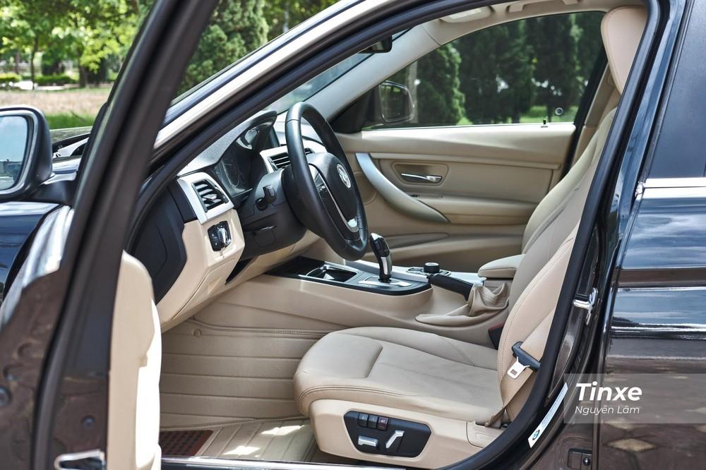 Ghế lái của xe có chức năng chỉnh điện, nhớ ghế 2 vị trí