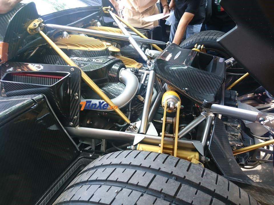 Động cơ xe Pagani Huayra