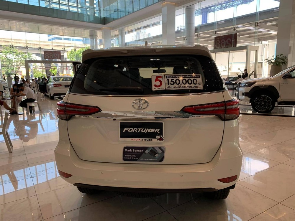 Dù là bản nâng cấp giữa vòng đời nhưng Toyota Fortuner 2020 đã có một diện mạo mới khác biệt
