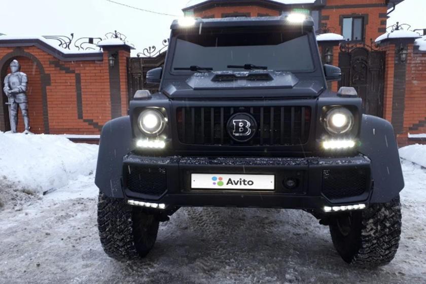 Thực tế nó là một chiếc xe tự chế dựa trên G500 2002tại Nga với giá rẻ hơn nhiều