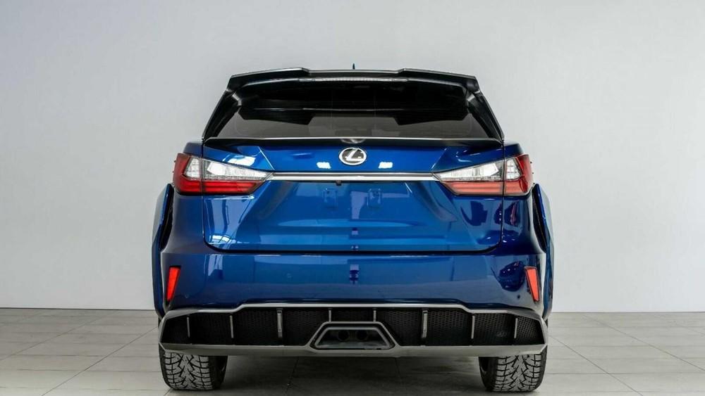 Lexus RX độ còn có bộ khuếch tán mới
