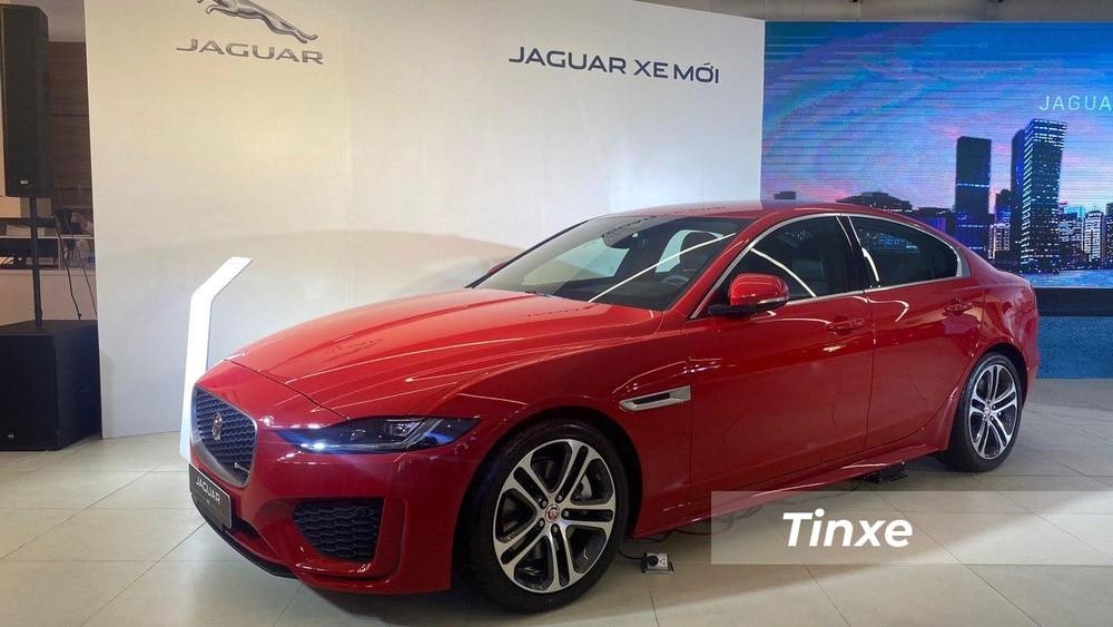 Jaguar XE 2020 trong buổi ra mắt diễn ra tại Tp. Hồ Chí Minh