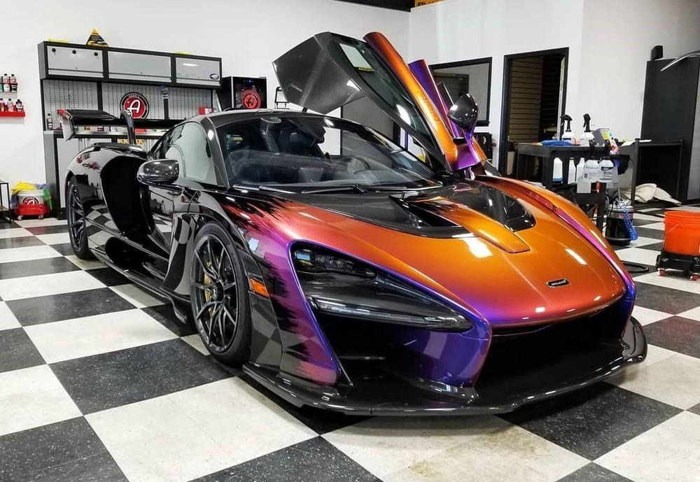McLaren Senna đen cam
