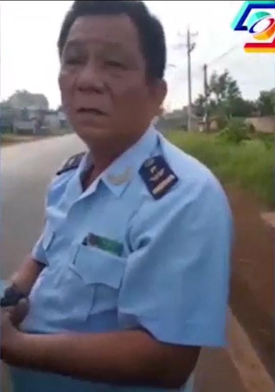 Người điều khiển chiếc Honda CR-V là Phó chi Cục trưởng Chi cục Hải Quan Hoàng Diệu của tỉnh Bình Phước