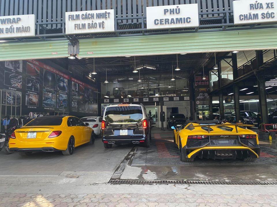 Lamborghini Aventador SV Roadster vàng nhám siêu hiếm của đại gia Việt bất ngờ tái xuất