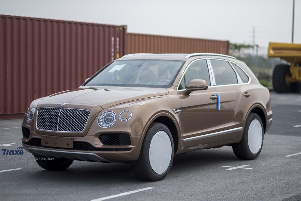 Bentley Bentayga một màu