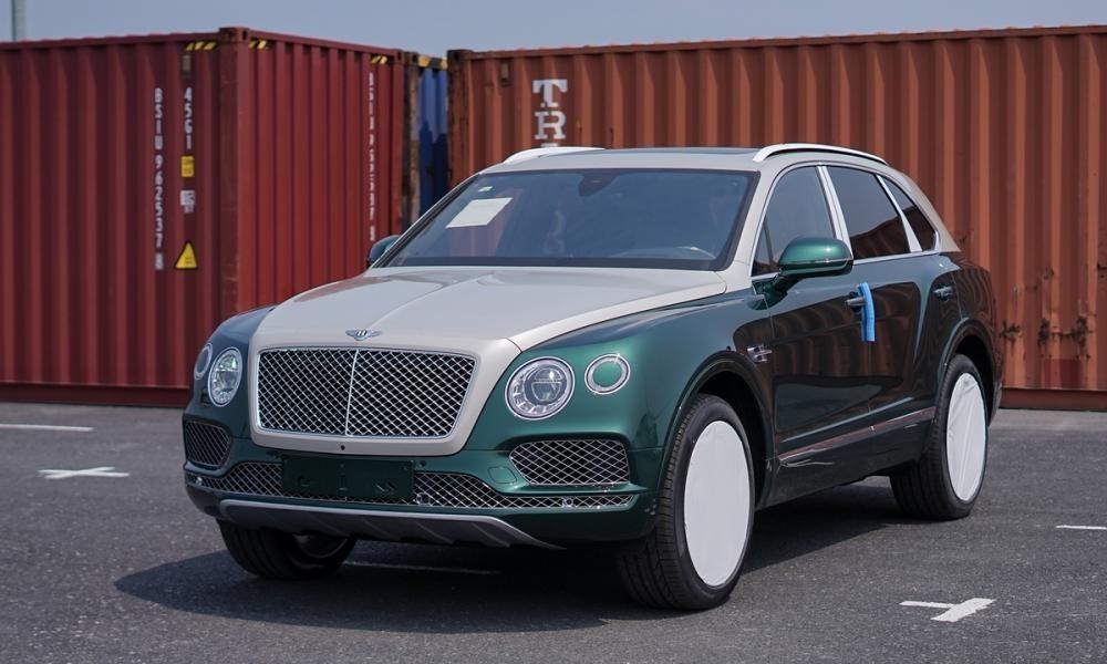 Bentley Bentayga phối 2 màu