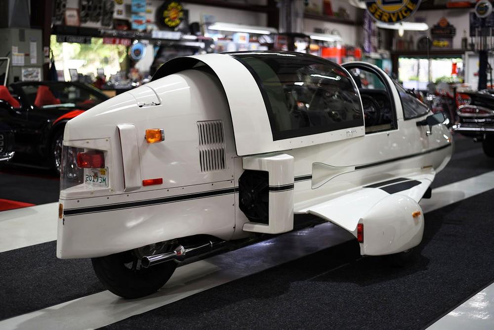 Pulse Autocycle hoạt động bằng động cơ Honda Goldwing