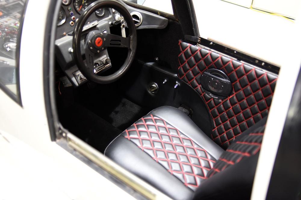 Ghế ngồi phía trước và hệ thống lái củaPulse Autocycle