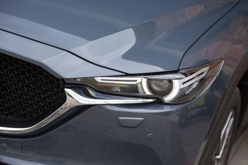 Mazda CX-5 2020 có đèn pha tự động, kích hoạt khoảng 30 phút trước hoàng hôn