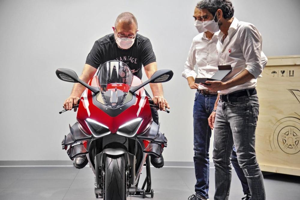 Ducati bàn giao chiếc Ducati Superleggera V4 đầu tiên cho khách hàng