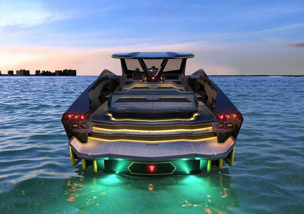 Không chỉ có thiết kế đẹp mắt,Tecnomar for Lamborghini 63 còn trang bị hai động cơ hiệu suất cao