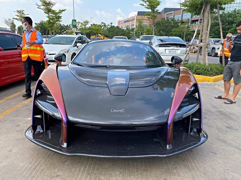 Chỉ vài giờ sau đó, chiếc siêu xe triệu đô McLaren Senna đã bị bắt gặp lăn bánh trên đường phố nước bạn, Campuchia. Nhiều người tin rằng khoảng 1 tuần sau, McLaren Senna sẽ có mặt tại Việt Nam.