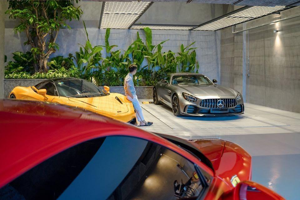 Dàn siêu xe trong garage của Cường Đô-la