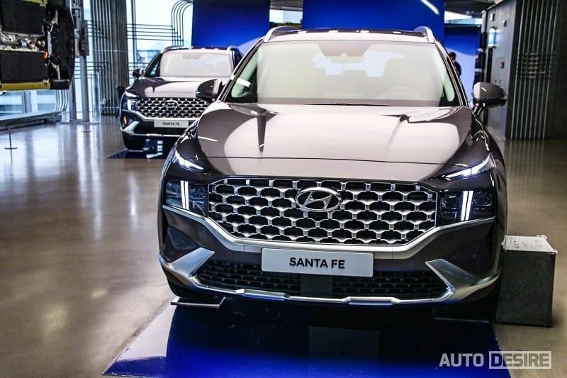 Thiết kế đầu xe của Hyundai Santa Fe 2021 bản thường