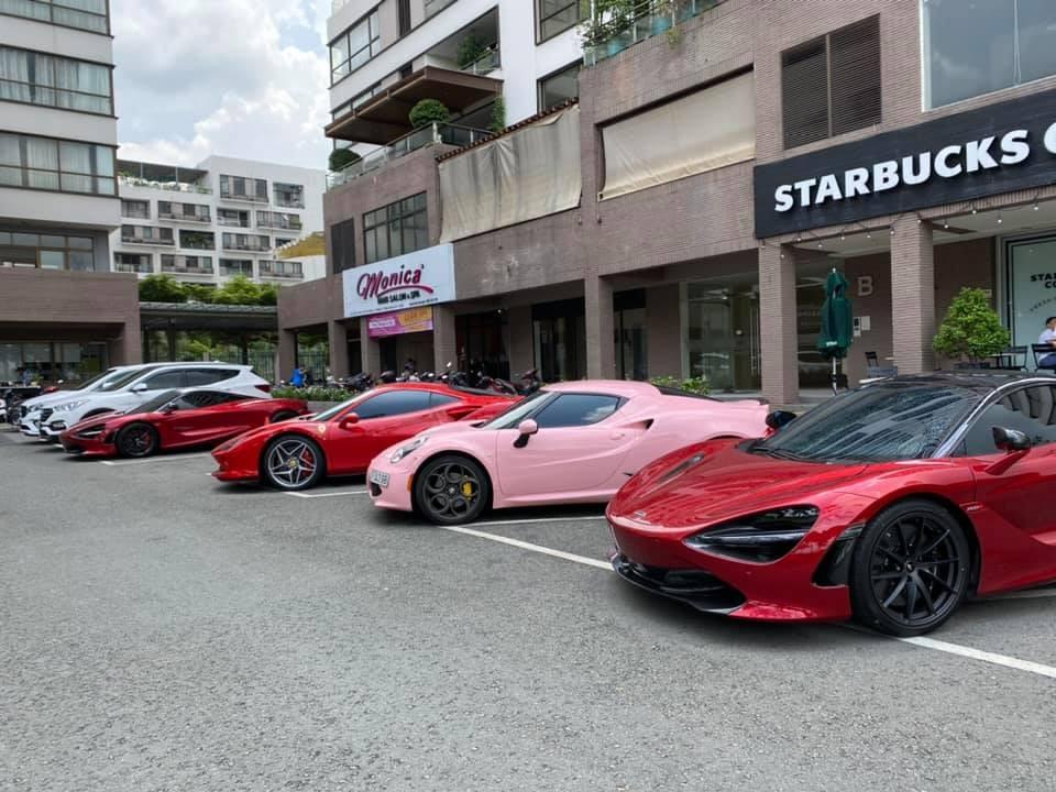 Hình ảnh dàn siêu xe đẹp mắt của các doanh nhân Sài thành họp mặt khiến dân mê xe bất ngờ