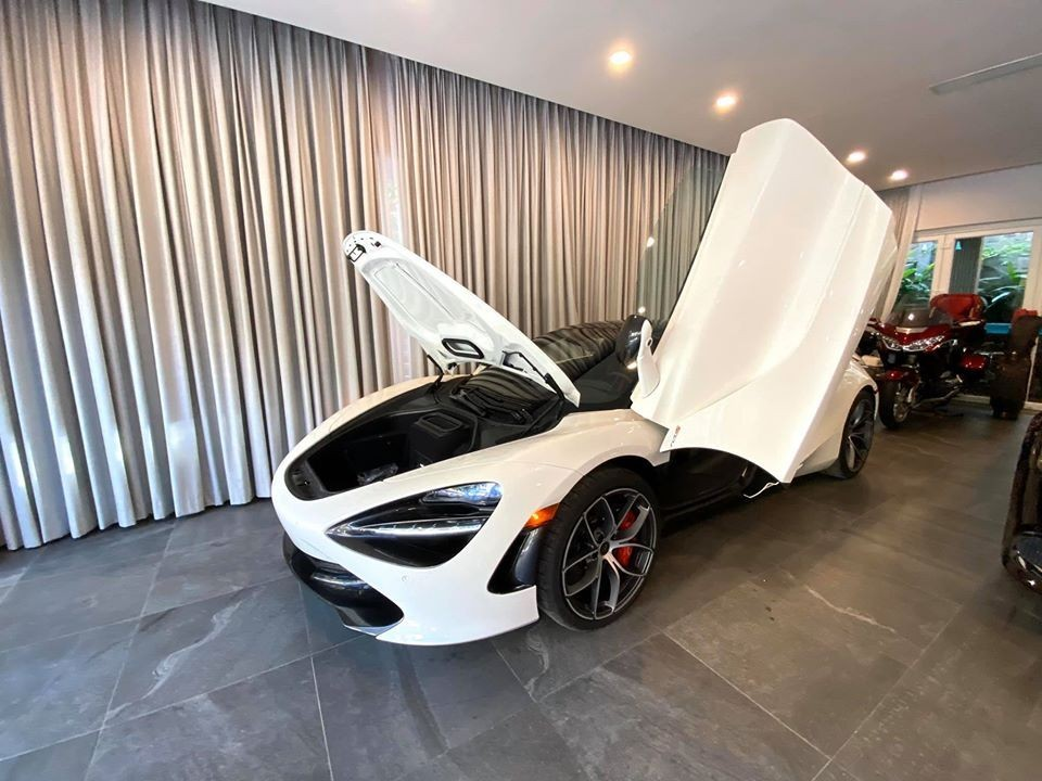 Đây là chiếc siêu xe mui trần McLaren 720S Spider đầu tiên về nước. Ảnh: CarPassion Team