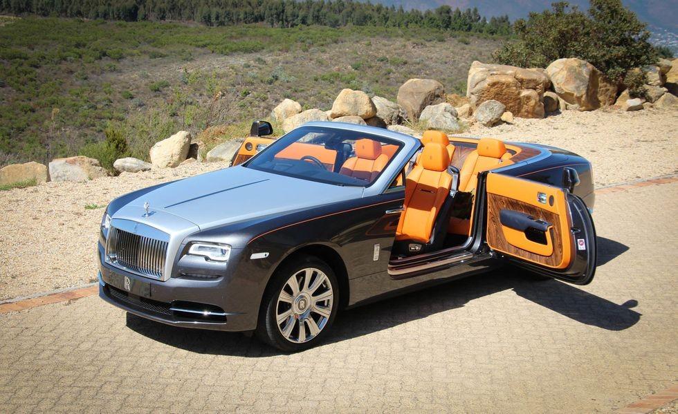 Rolls-Royce Dawn với kiểu cửa mở ngược đầy thú vị