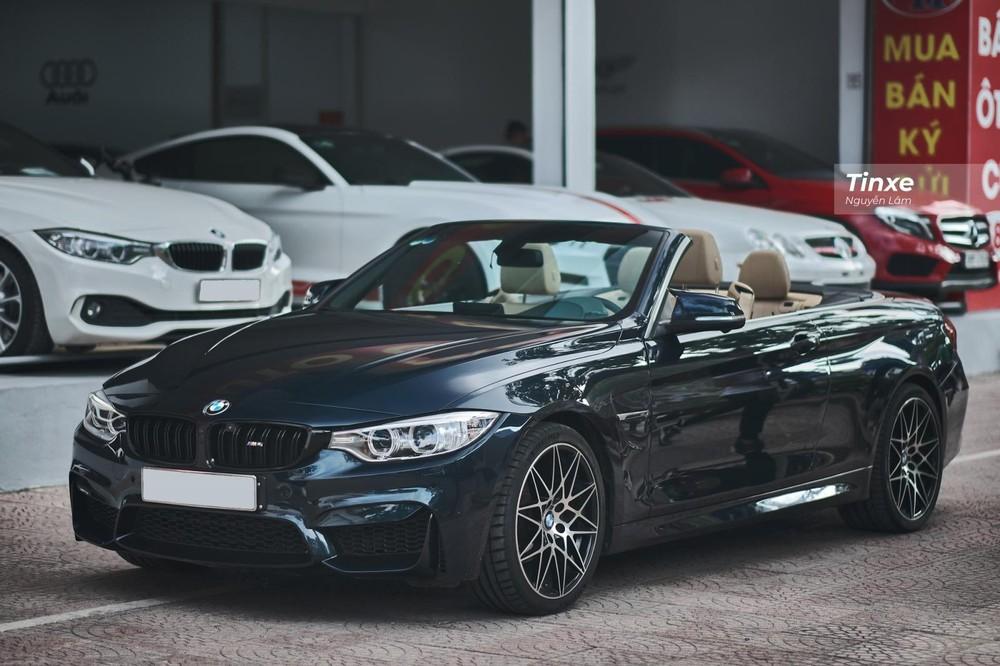 Chiếc BMW 420i Convertible 2016 độ nhẹ lên M4 với ODO khoảng 30.000 km đang được rao bán lại với giá chỉ 1,799 tỷ đồng