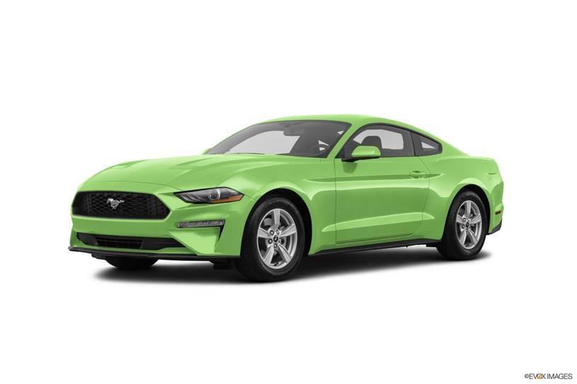 Ford Mustang xanh lá