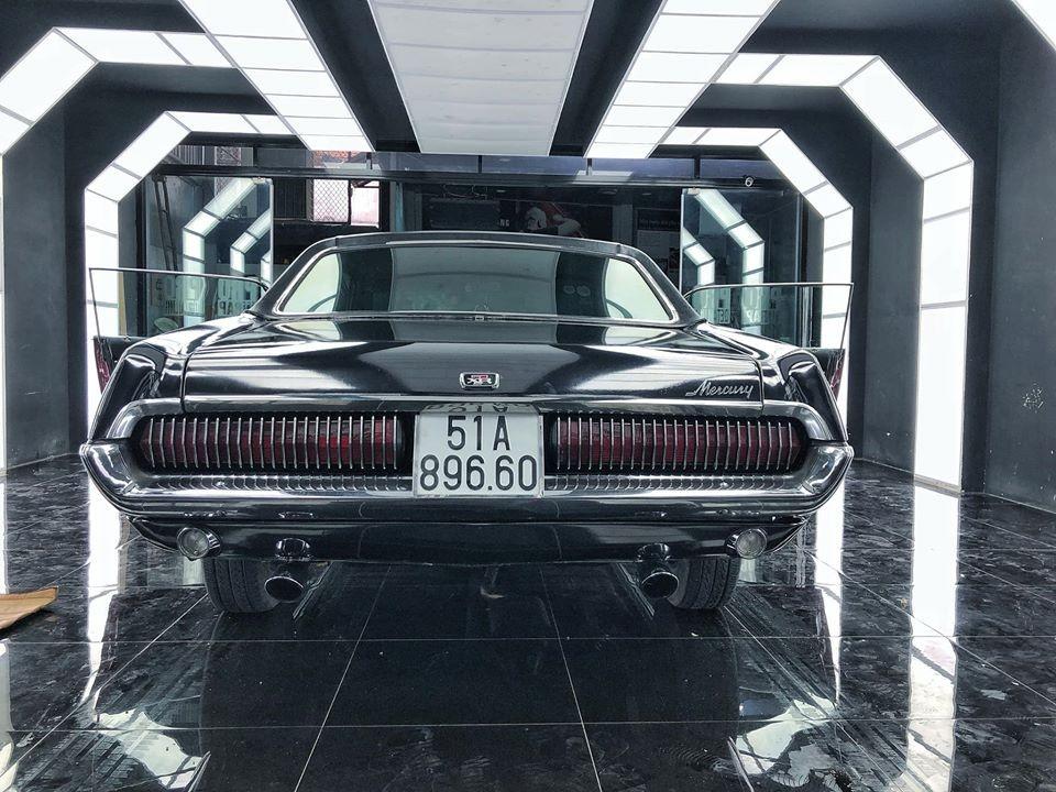 Chiếc xe này có tên gọi là Mercury Cougar