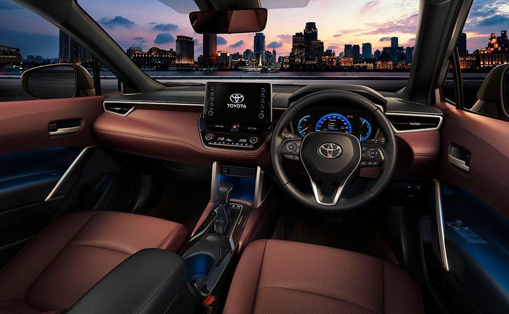 Tổng thể nội thất của Toyota Corolla Cross khá hiện đại, đúng theo xu hướng thiết kế hiện nay