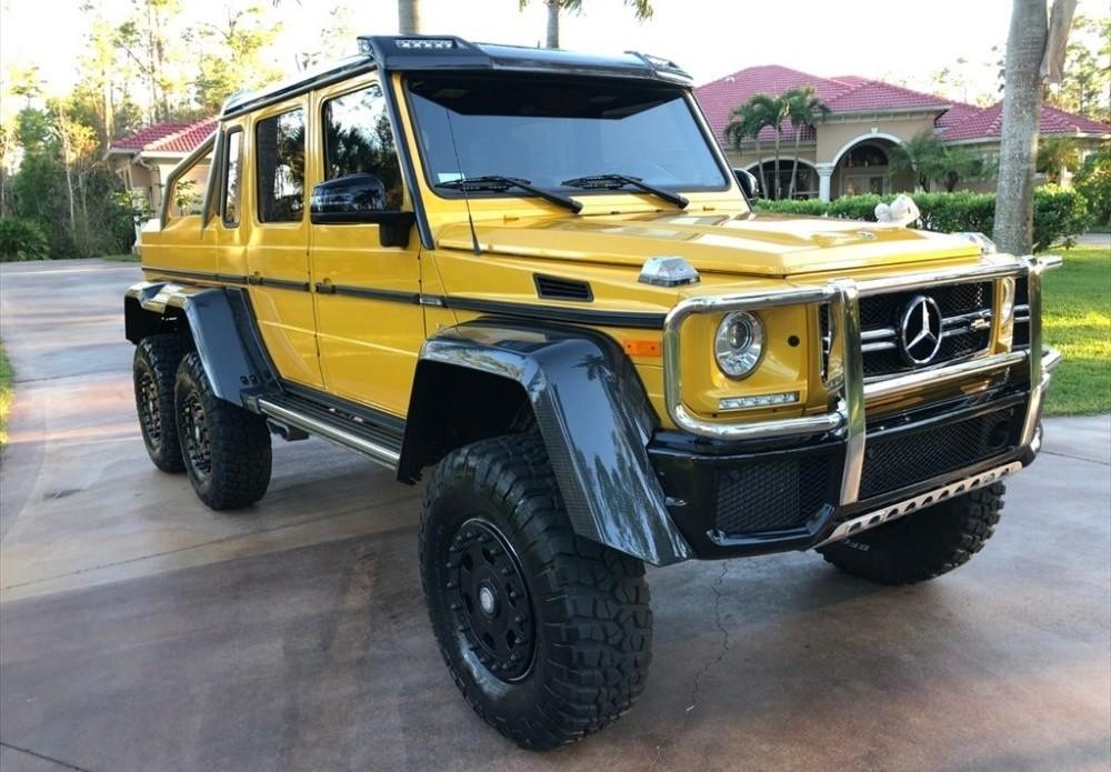 Mercedes-Benz G63 AMG 6x6 vàng đậm