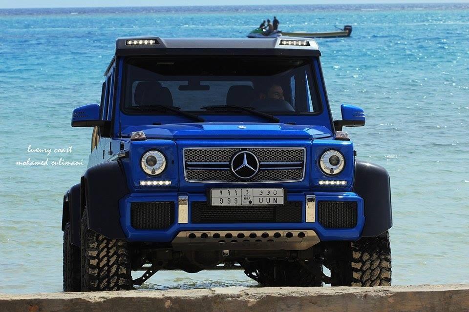 Mercedes-Benz G63 AMG 6x6 xanh dương