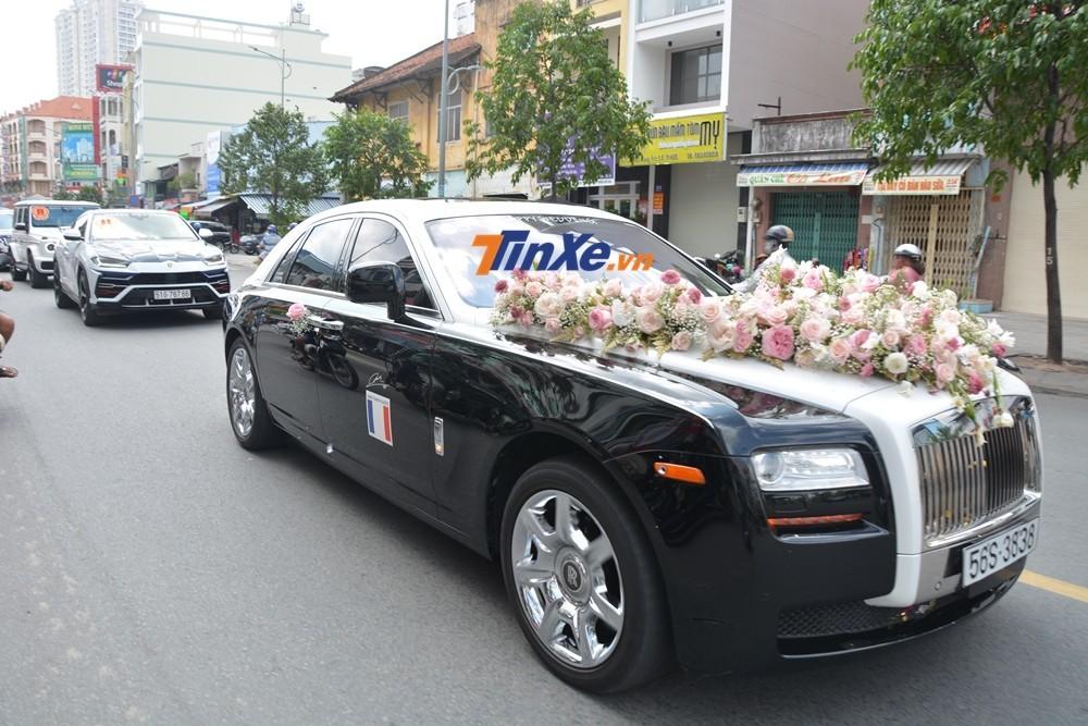 Một chiếc Rolls-Royce Ghost Series I tại Việt Nam