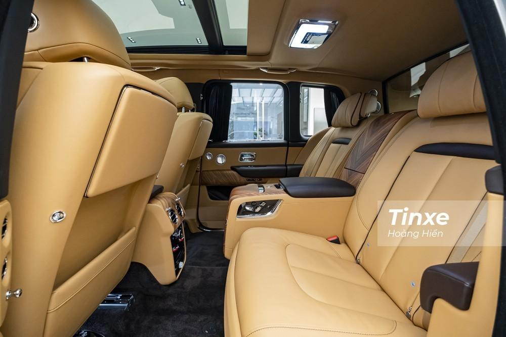 Hàng ghế sau của Rolls-Royce Cullinan