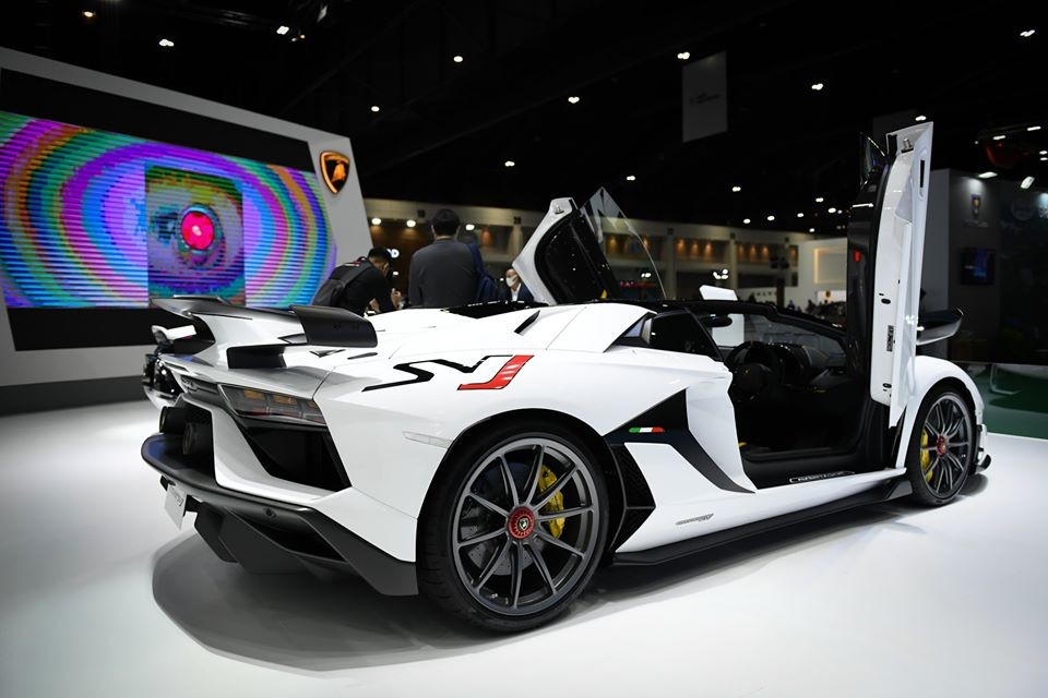 Riêng các đại gia Thái Lan có 2 suất mua siêu xe Lamborghini Aventador SVJ Roadster theo diện chính hãng