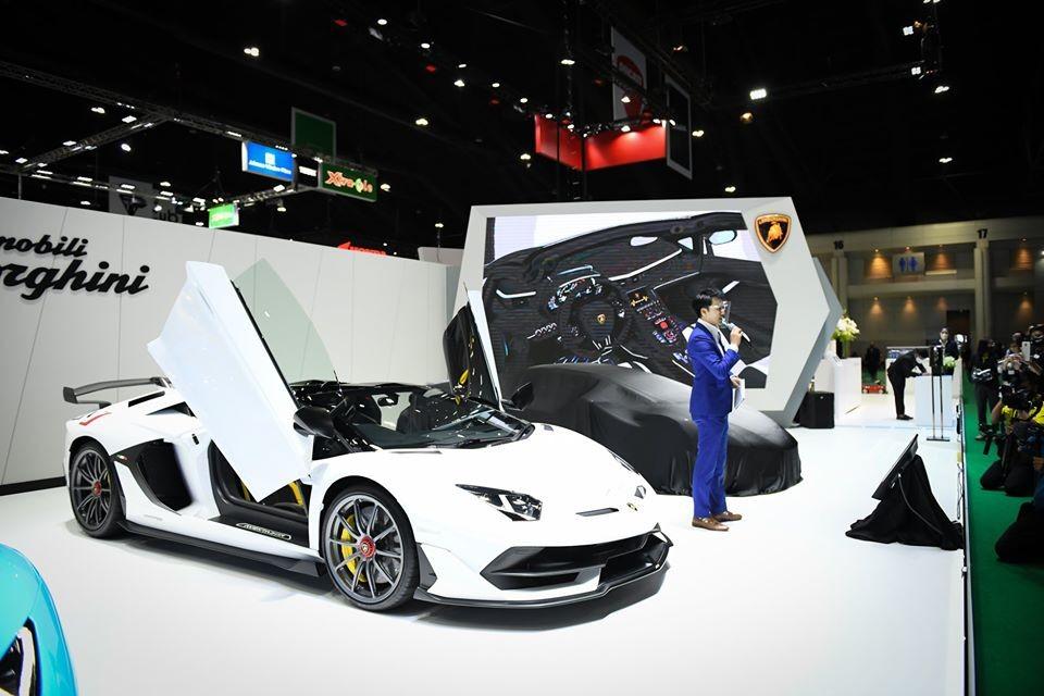 Trên thế giới chỉ có 800 chiếc siêu xe Lamborghini Aventador SVJ Roadster được sản xuất