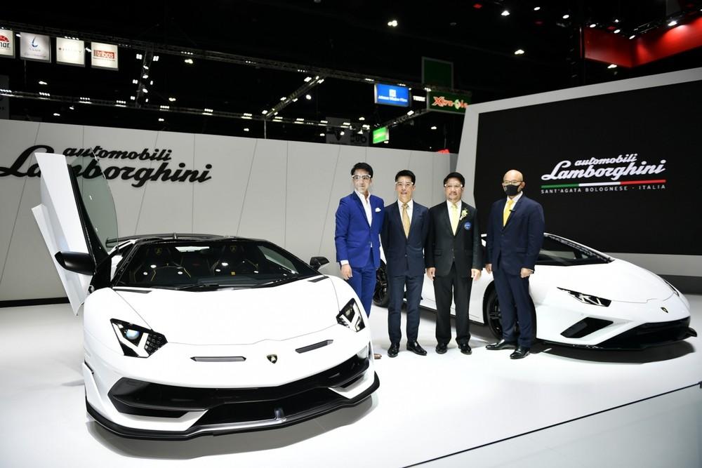 Siêu xe Lamborghini Aventador SVJ mui trần đầu tiên đến Thái Lan có giá bán 37,3 tỷ đồng