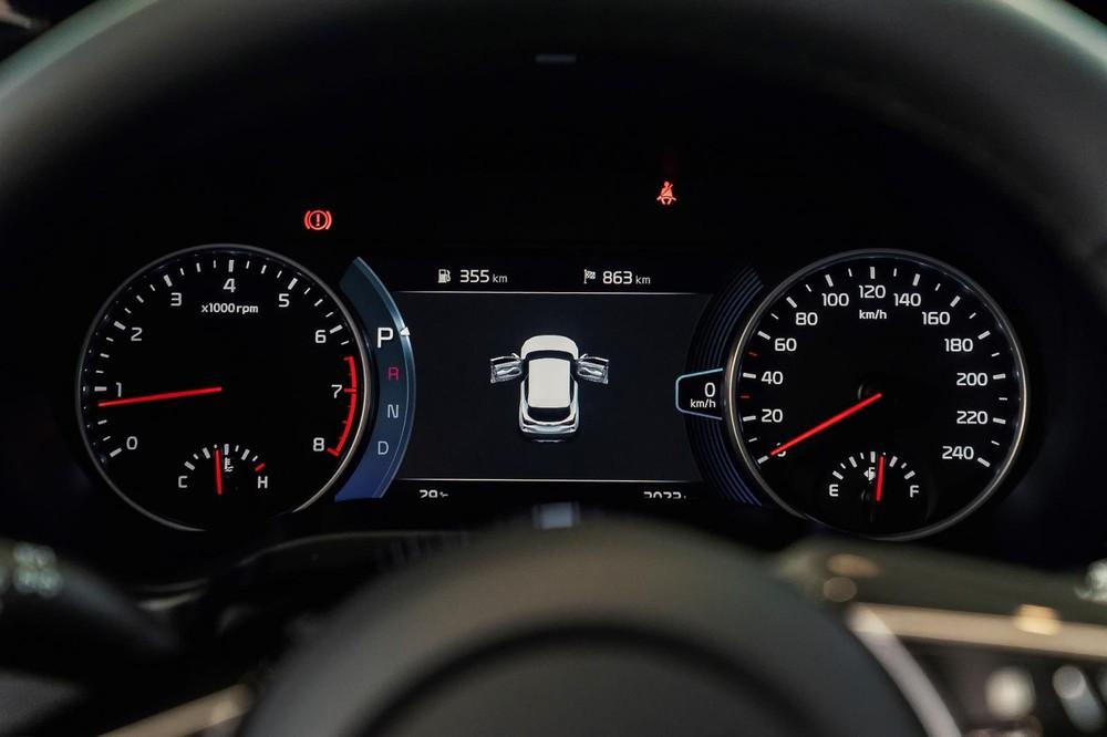 Bảng đồng hồ analog kết hợp màn LCD 7 inch của Kia Seltos 2020