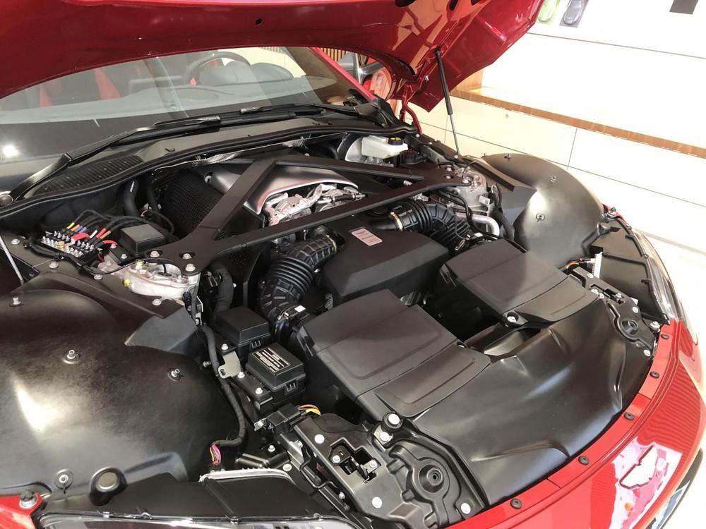 Động cơ của Aston Martin Vantage 2020