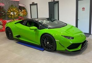Lamborghini Huracan xanh lá