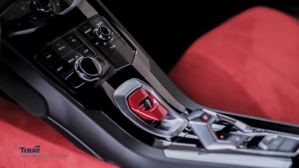 Nút Start/Stop trên siêu xe Lamborghini Huracan LP610-4 thiết kế đẹp mắt