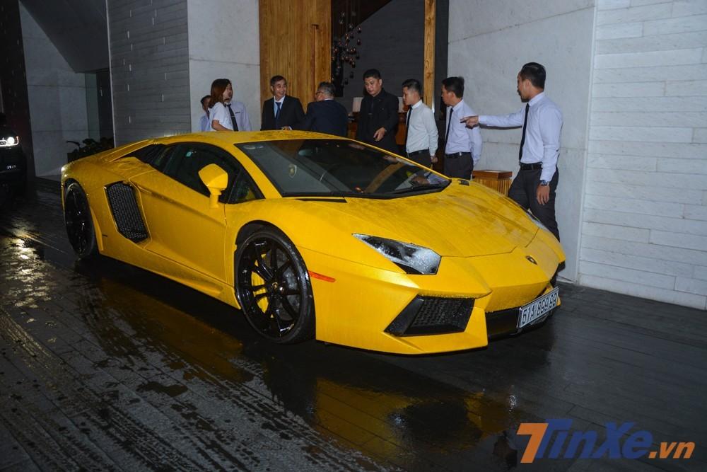 Siêu xe Lamborghini Aventador LP700-4 đầu tiên về Việt Nam
