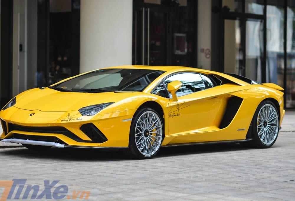 Lamborghini Aventador S LP740-4 có những thay đổi mạnh mẽ ở ngoại thất