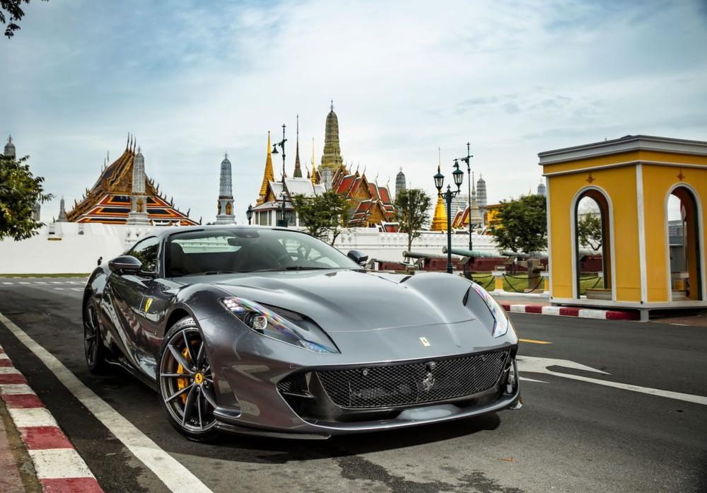 Siêu xe mui trần Ferrari 812 GTS có giá bán tại Thái Lan từ 26 tỷ đồng
